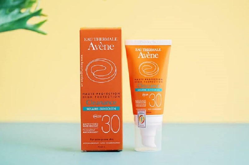 Kem chống nắng Avene High Protection Cleanance SPF 30