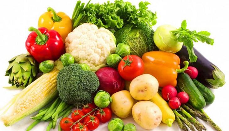 Rau xanh là nguồn dinh dưỡng không thể thiếu với mỗi bé - 1